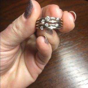 14K white gold ring with